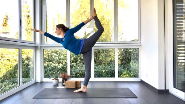 60-minute Level 2/3 Easter Vinyasa with Rachel
