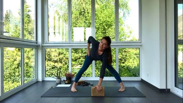 60-minute Hip-Friendly Core Flow with Rachel