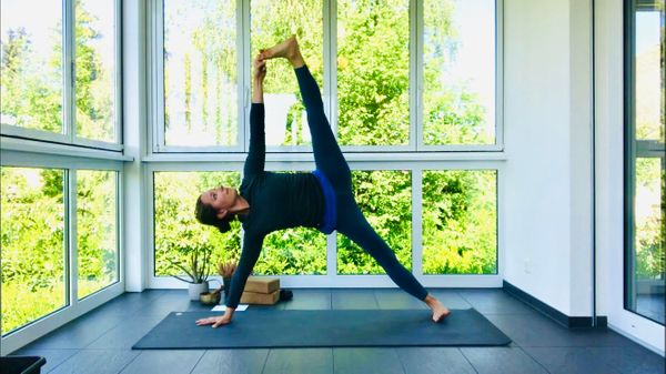 70-minute Mother's Day Vinyasa with Rachel